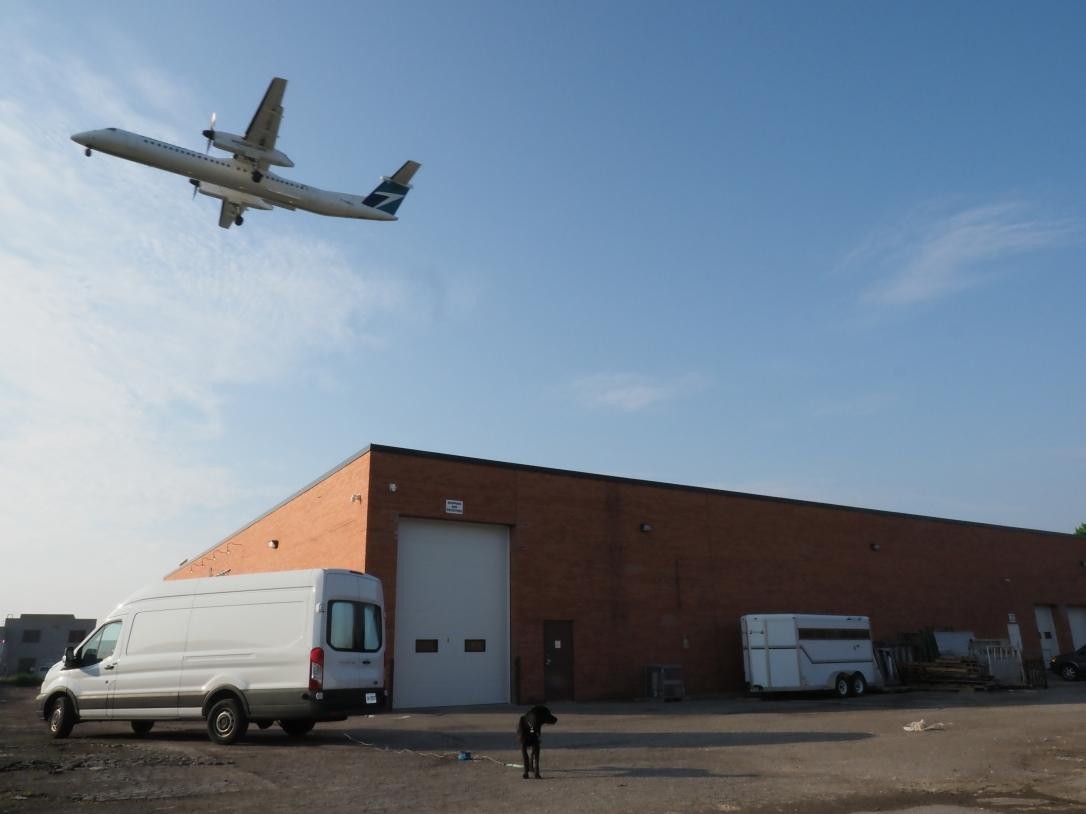 WestJet Q400 & Porter
